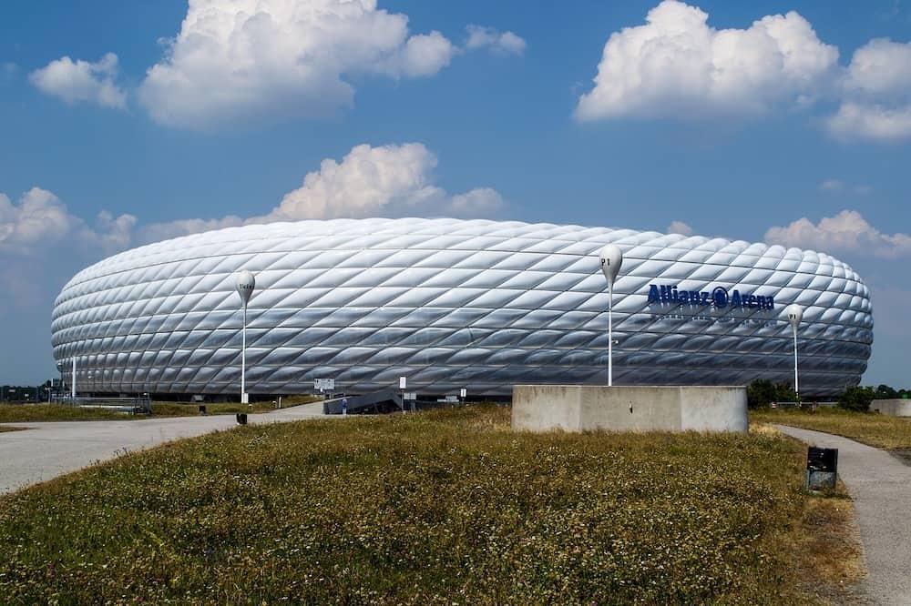 atut własnego stadionu